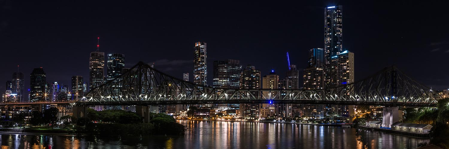 Story Bridge, Brisbane with lights switched off © Anastasia Woolmington / WWF-Aus