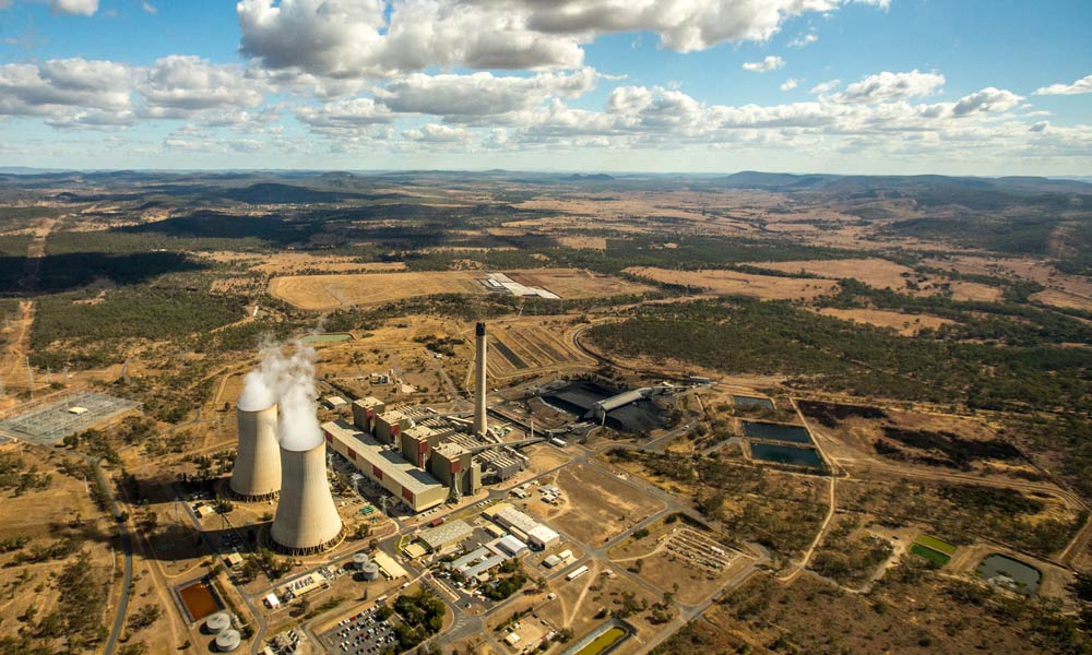 A coal fired power station in Queensland, Australia © WWF / James Morgan